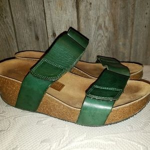 Eric Michael Lola Sabbia green sandals Cody 40